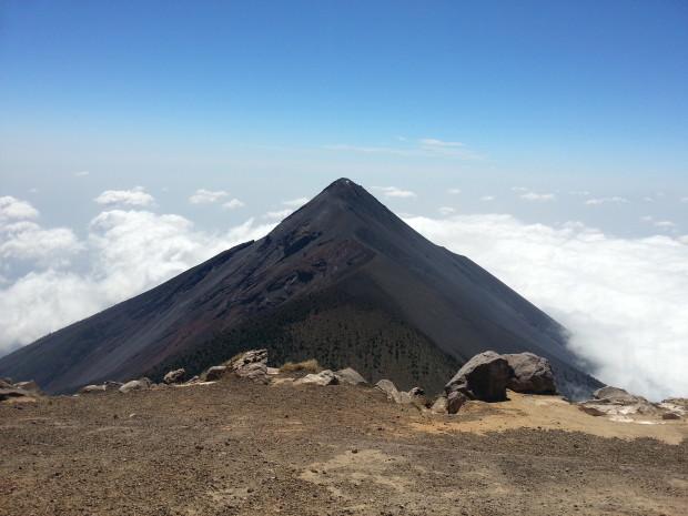 im36 - volcan de acatenango