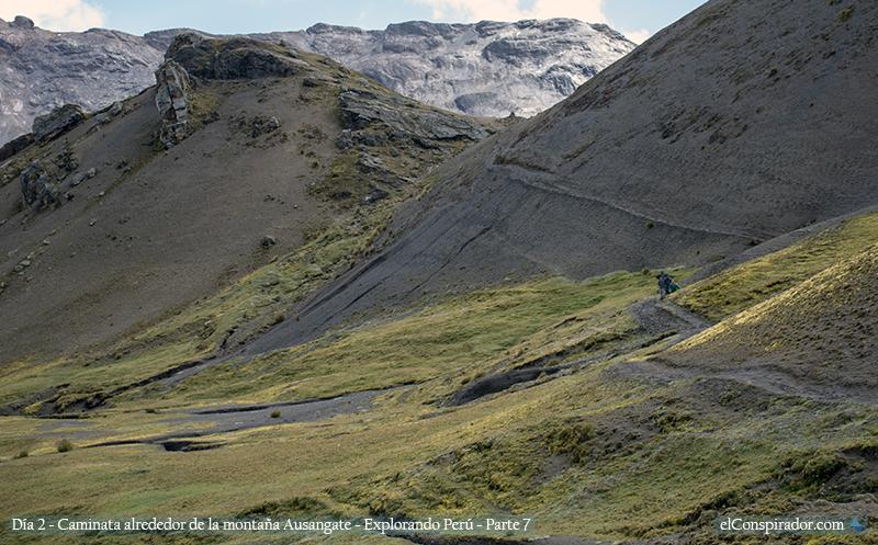 Mis compañeros, caminando en las alturas andinas de Perú